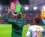 La minute gênante de la journaliste terrain lors de Lokomotiv Moscou - OM (capture YouTube)