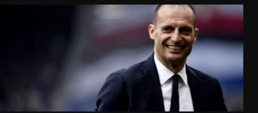 Juventus, bisticci tra i giocatori, Allegri in ritardo in Tv.
