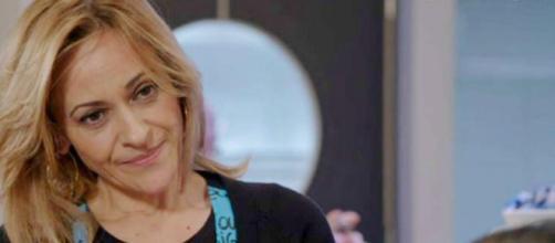 Un Posto al sole episodio mercoledì 22 settembre: Silvia rischia di essere scoperta.