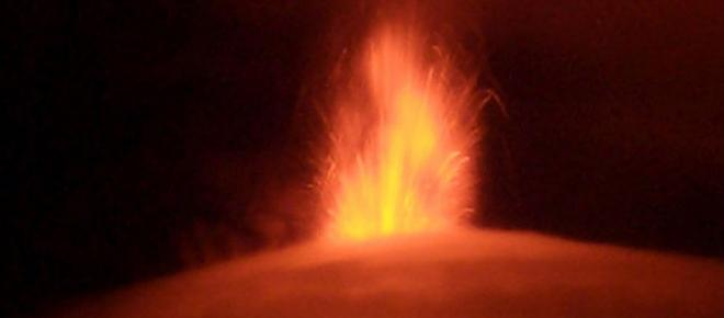 Tras la erupción del volcán de la Palma aparecen negacionistas: 'está todo orquestado'