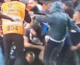 Les supporters de l'OM descendent sur la pelouse pour en découdre avec les Angevins - Source : capture d'écran, Twitter @LaMinute_OM