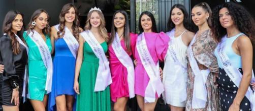 Le nove ragazze calabresi che parteciperanno a Miss Italia.
