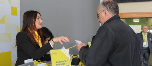 Poste Italiane cerca consulenti mobili laureati: domande entro il 2 ottobre.
