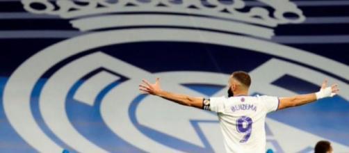Benzema tras marcar un gol ante el Mallorca (Twitter/@Benzema)