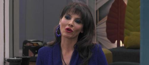GF Vip, Miriana attacca Soleil: 'Il mio agente mi ha detto di non fidarmi'.