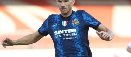 In foto Dzeko, calciatore dell'Inter.