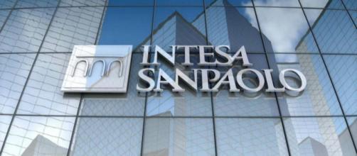Intesa Sanpaolo apre le assunzioni per agenti e gestori di filiale.