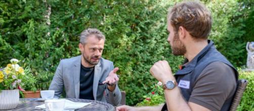 Tempesta d'amore, spoiler 11-17 ottobre: Florian apprende che il fratello ricatta Maja.