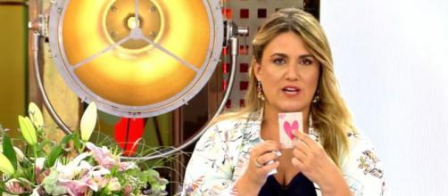 Después de indagar al fin se pudo dar con la identidad del remitente del regalo a Carlota Corredera (Telecinco)