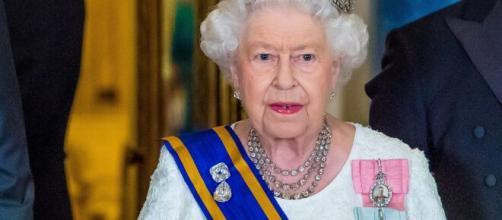 Regina Elisabetta: in caso di morte della sovrana social oscurati, funerali dopo 10 giorni.