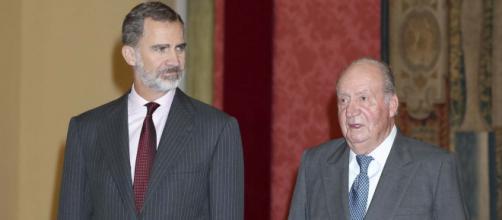 Felipe VI y Juan Carlos I (Wikimedia Commons)