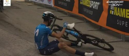 La caduta di Alejandro Valverde al Giro di Sicilia.