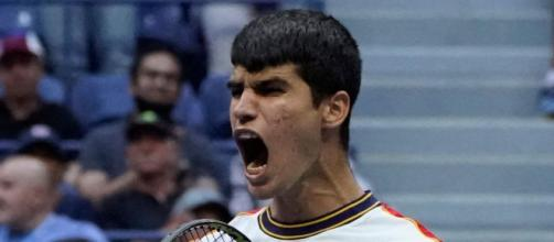 Carlos Alcaraz enfrentará en los octavos de final del Abierto de Estados Unidos al alemán Peter Gojowczyk (Twitter/@ATPtour_ES)