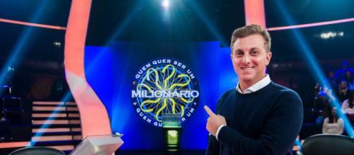 Luciano Huck ganha homenagens (Reprodução/TV Globo)