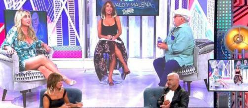 María Patiño ha transmitido el programa en directo (Twitter, @sabadodeluxe)