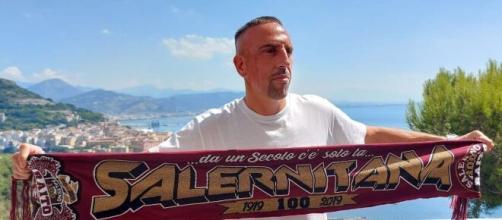 Ribery arriva alla Salernitana: 'Contento di essere qui. Darò il massimo per tutti voi'.