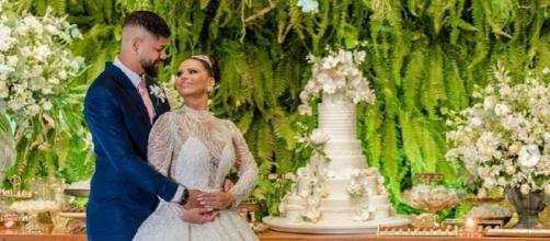 Atriz foi parabenizada após casamento (Foto: Reprodução/Instagram/@araujoviviane)