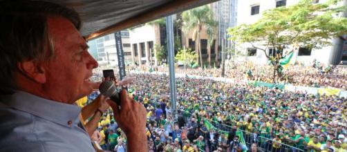 Bolsonaro comete crime ao incitar população contra STF (Isac Nóbrega/PR)