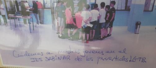 El cartel homófobo, en imagen (RRSS)