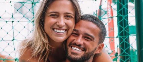Tati Dias e jogador serão pais (Reprodução/Instagram/@jrsaldanhaftv)