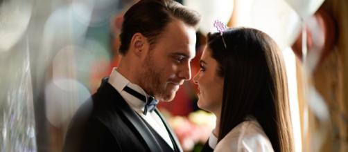 Love is in the air spoiler al 25/9: il viaggio in Italia di Serkan rovina le nozze con Eda.