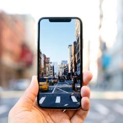 Smartphone: anticipazioni, novità e caratteristiche innovative dei dispositivi più interessanti prossimi all'uscita o già sul mercato.