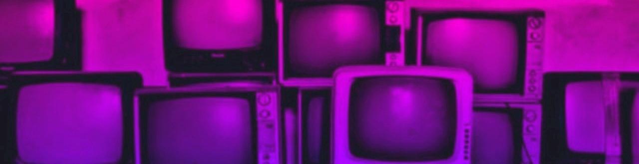 La televisión es un medio de comunicación y entretenimiento que llega gratis a todos los hogares y a todas las clases sociales