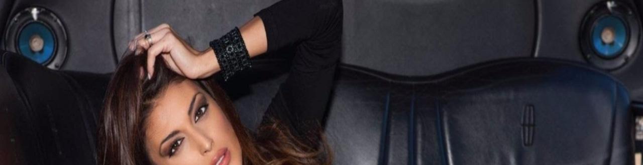 La biografia della modella, showgirl ed ex naufraga vip dell'Isola dei famosi 2015