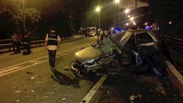 Acidente brutal com cinco carros em Barcelos