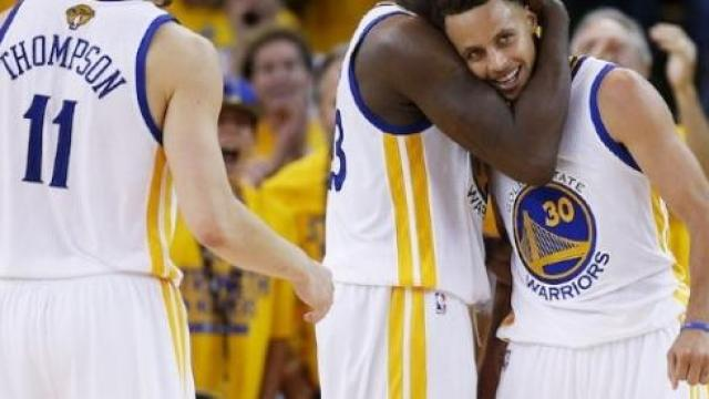 Video: Los Warriors dominan y avanzan