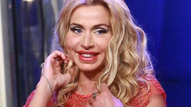 Video: Valeria Marini, nota showgirl televisiva