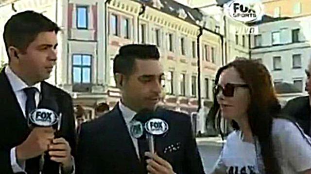 Reportero de Fox seducido en vivo por bella mujer en Rusia