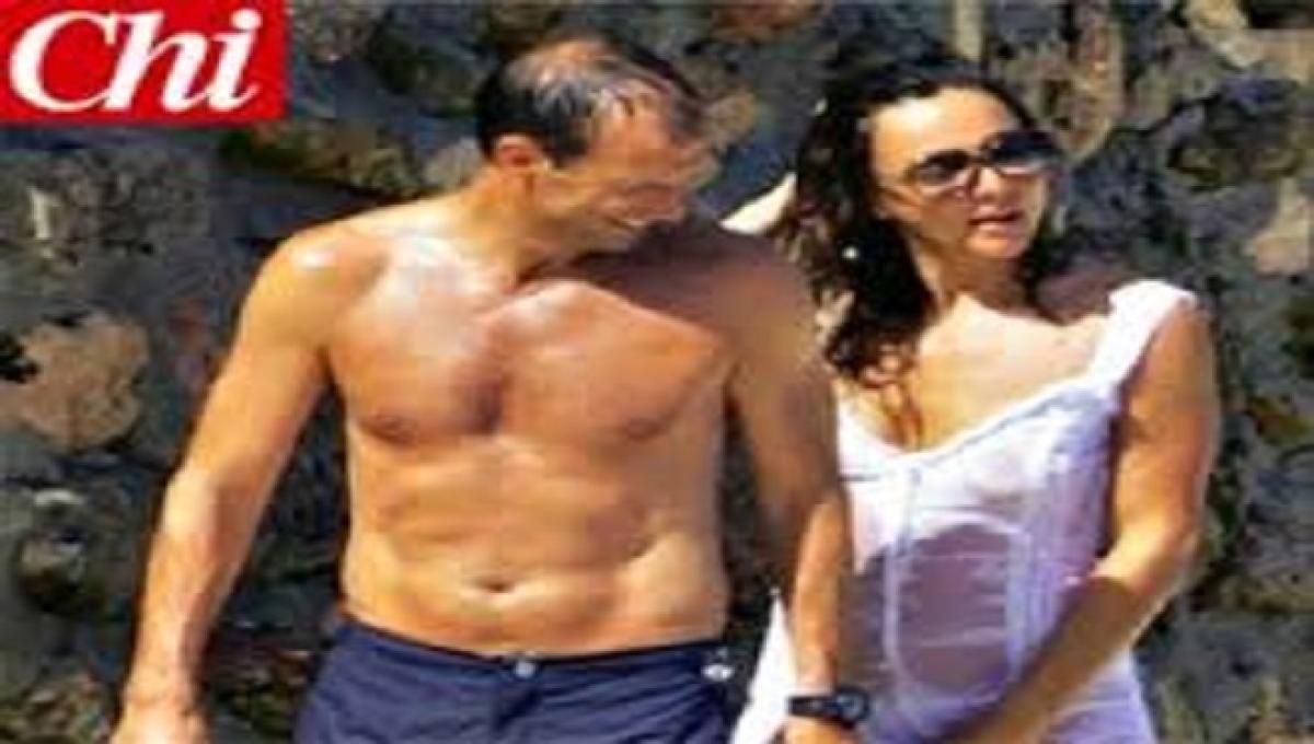 Ambra Angiolini Topless video: ambra angiolini in 'topless bagnato' in compagnia di massimiliano  allegri