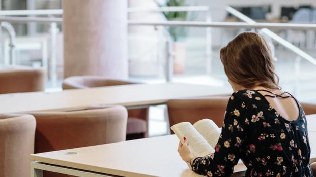 Lire provoque un processus cérébral inconscient