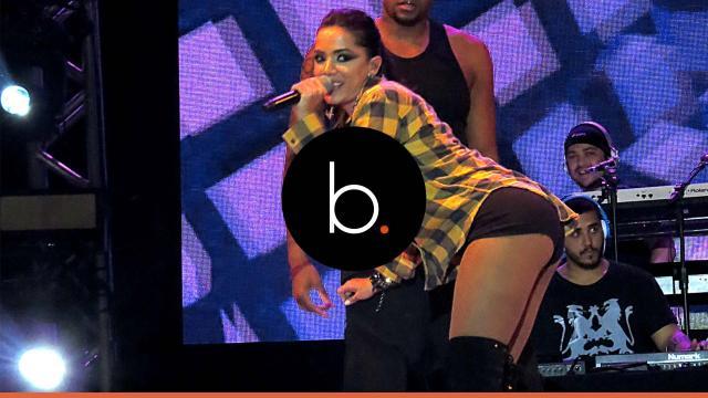 Assista Anitta paga peitinho em seu novo clipe! Confira