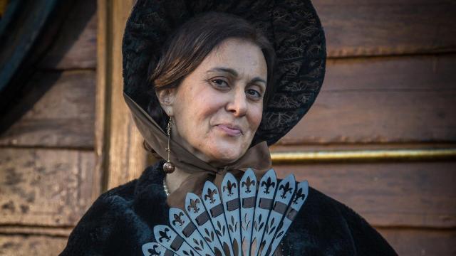 Famosa atriz da Rede Globo se afasta para tratar câncer devastador