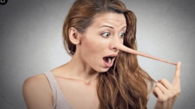 Mulher casada revela sua traição no Facebook e marido recebe o print da conversa
