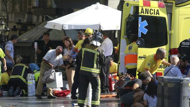 Ataque terrorista: corpos são retirados das ruas de Barcelona após atentado