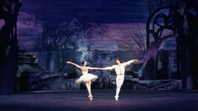 El Lago de los Cisnes cautivará en el Palacio de Bellas Artes