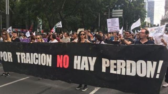 Informe de Peña Nieto contra proyecto de concientización social en México