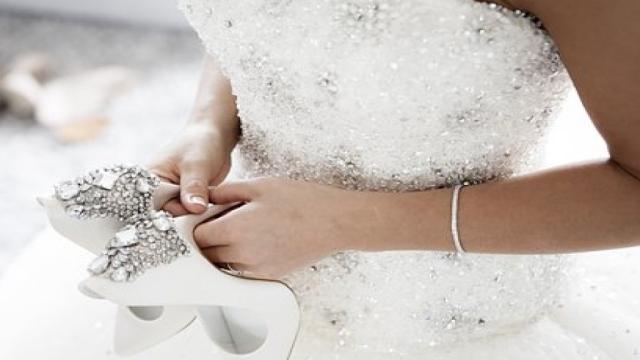 Noiva traída se vinga da melhor forma possível durante sua festa de casamento