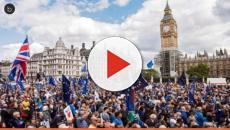Protesto contra o Brexit reúne milhares de pessoas as ruas de Londres
