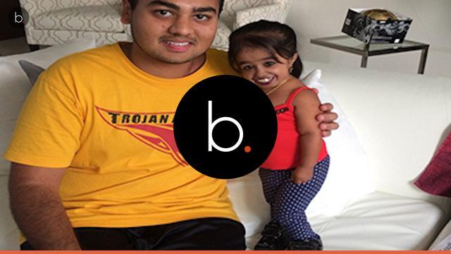 Veja fotos da menor mulher do mundo e seu marido