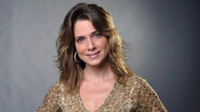 Linda atriz global emite sua opinião sobre viver sexo a três na vida real
