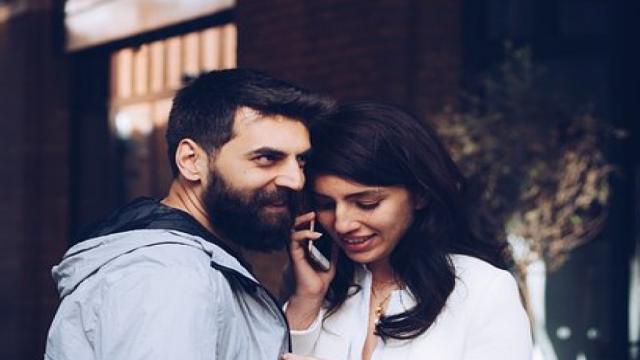 Cinco sinais que uma mulher dá quando está traindo e o homem nem desconfia