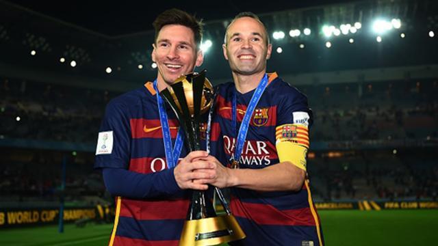 Lionel Messi y Andrés Iniesta han firmado contratos