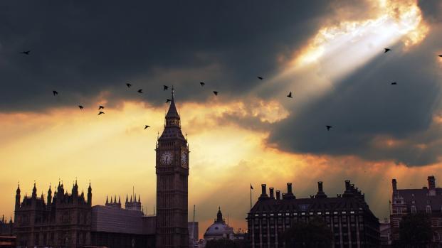 """Londres : L'explosion dans le métro, un """"un acte de terrorisme"""" ?"""