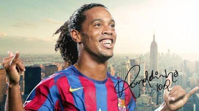 De locura: Ronaldinho cumple con todos los requisitos para reemplazar a Dembélé