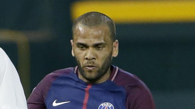 Alves y su forma de intentar poner paz en el vestuario del PSG