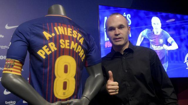 Así fue la renovación de por vida de Iniesta con el FC Barcelona